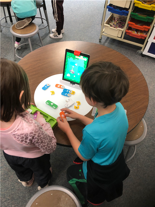 Students explore coding at the elementary STEAM lab